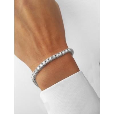 Eleganță și delicatețe cu brățările Tennis cu diamante