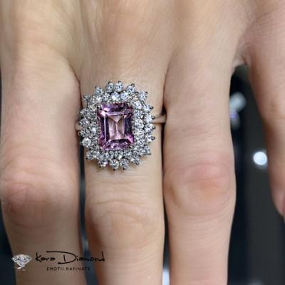Inel cu Topaz Roz si Diamante
